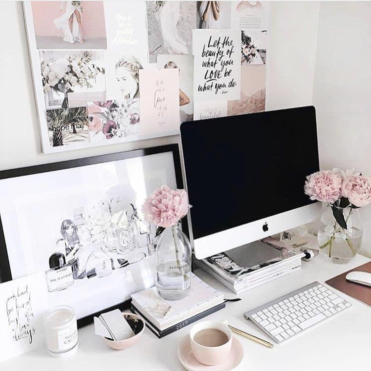 Bon lundi les belles! C'est déjà le retour au bureau pour nous et on est prêtes à entamer l'année du bon pied! Quels sont vos objectifs à atteindre cette année? ✨