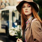 girl-city-flowers-trolleybus-mood-1680x1050